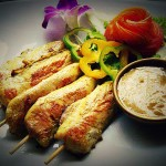 ไก่สะเต๊ะ+น้ำจิ้ม : Chicken Satay with Cucumber Relish and Peanut Sauce
